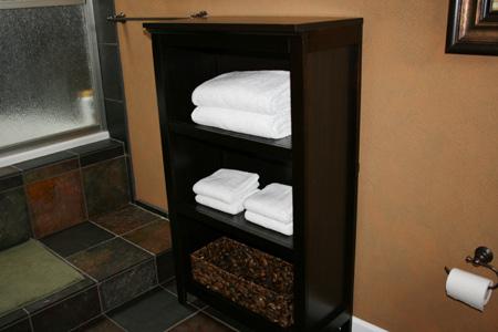 master-bath-remodel-shelves