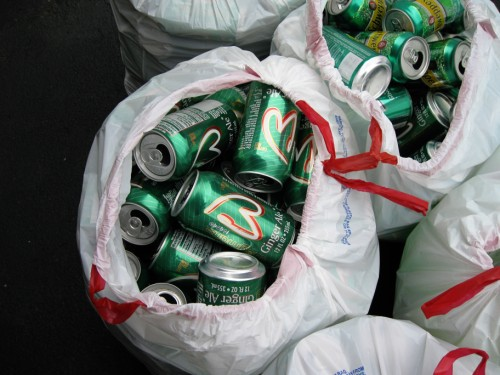 gingerale_cans_2